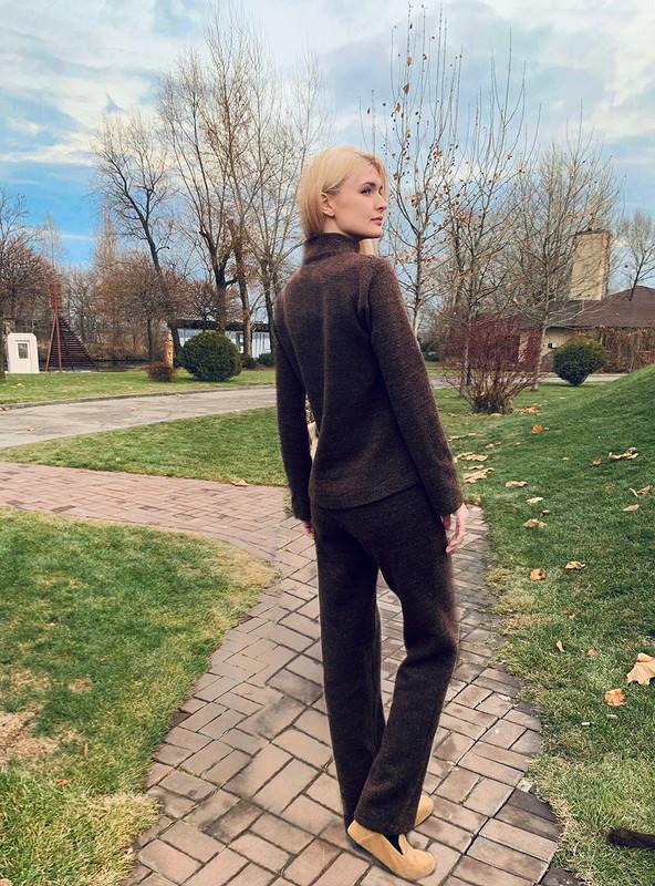 Базовый костюм: брюки ипуловер от @axma_atelier