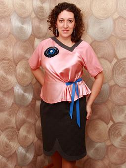 Работа с названием Костюм: блузка и юбка
