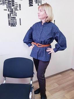 Работа с названием Блуза с широкими рукавами