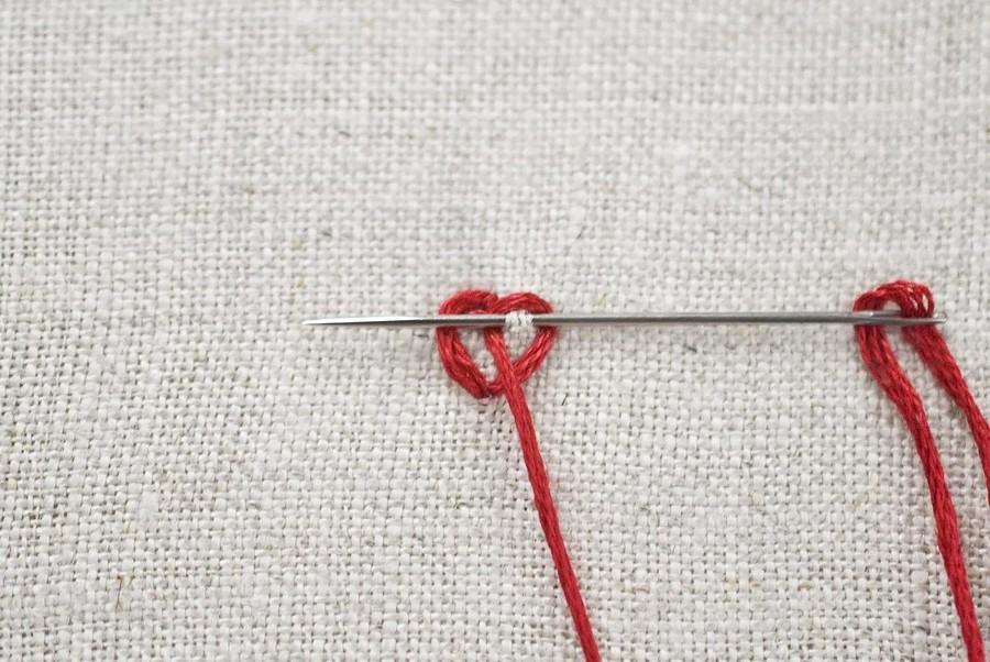 Как вышить сердечки перекрученными стежками: мастер-класс