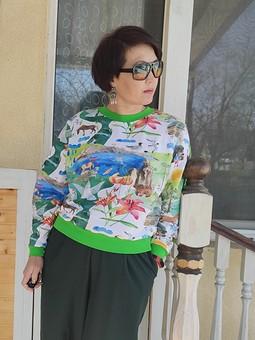 Работа с названием Трикотажный калейдоскоп: блузон, брюки, футболка, майка