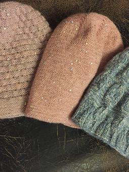 Работа с названием Вязаные шапки: подарки и заказы