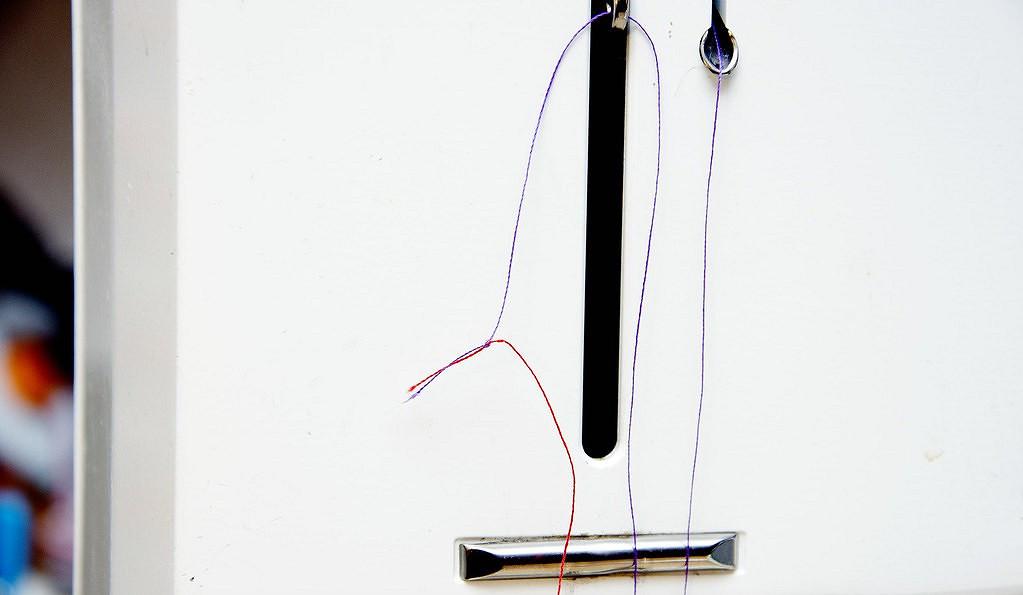 Лайфхак дляидеальных вытачек натонких ипрозрачных материалах: шьём нижней нитью