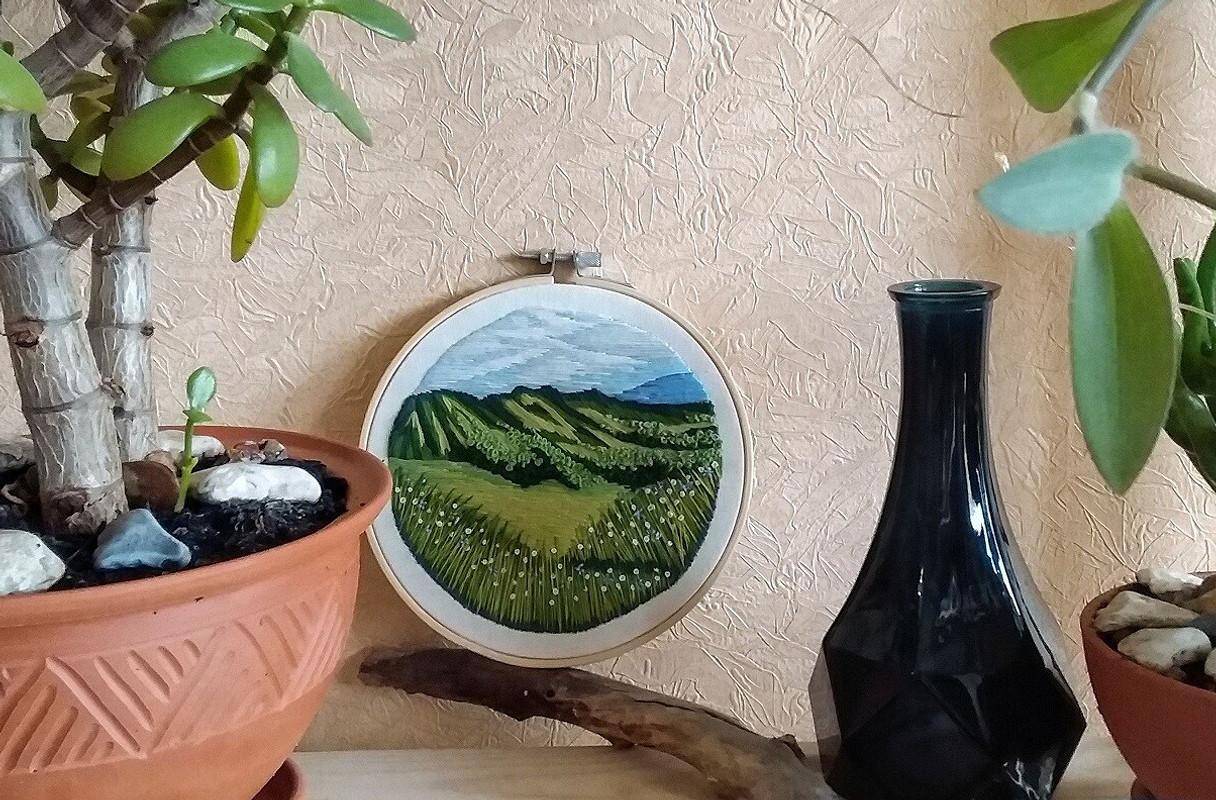 Вышивка «Где-то вдали...горы» от DariaDanja