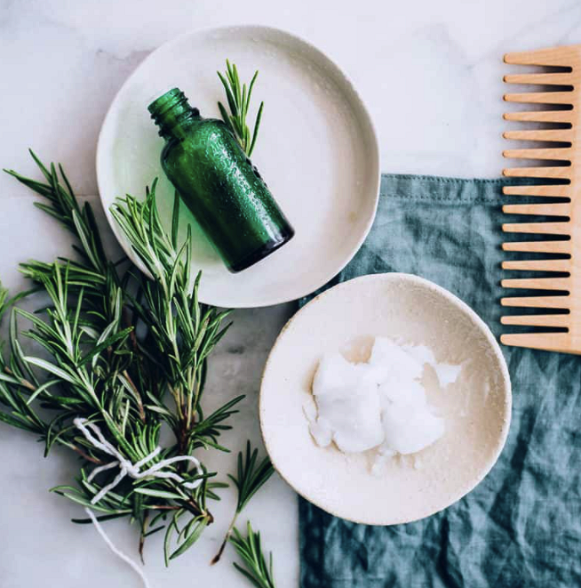 Секущиеся кончики волос: 4 рецепта длялечения ивосстановления
