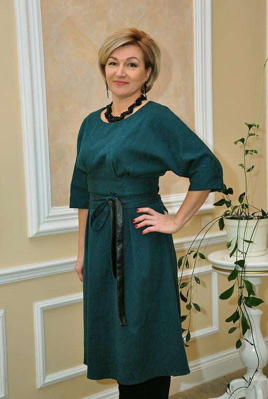 Платье споясом Оби от Elena