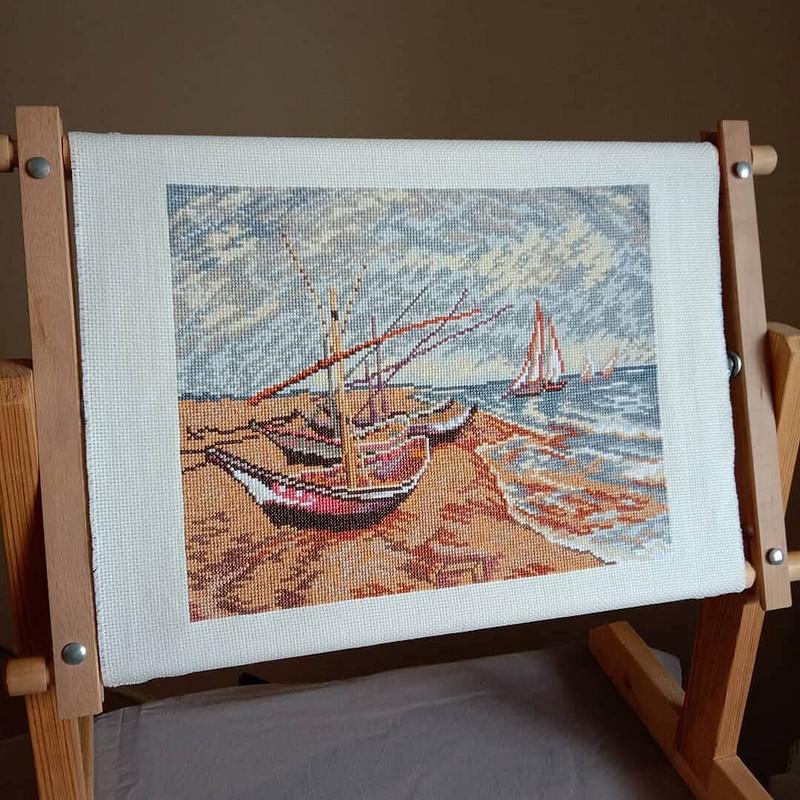 Вышивка. Рыбацкие лодки наберегу вСен-Мари от Tolstova_Ekaterina_332
