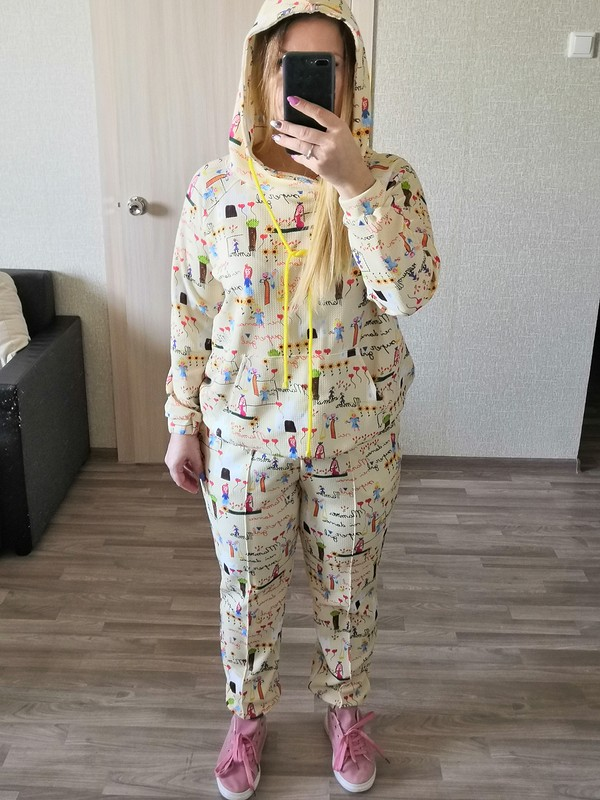 Веселый спортивный костюм от Nafanya