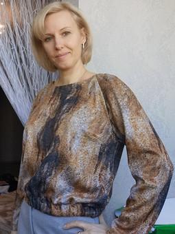 Работа с названием Простой пуловер
