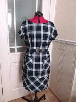 Работа с названием Платье с рукавами кимоно