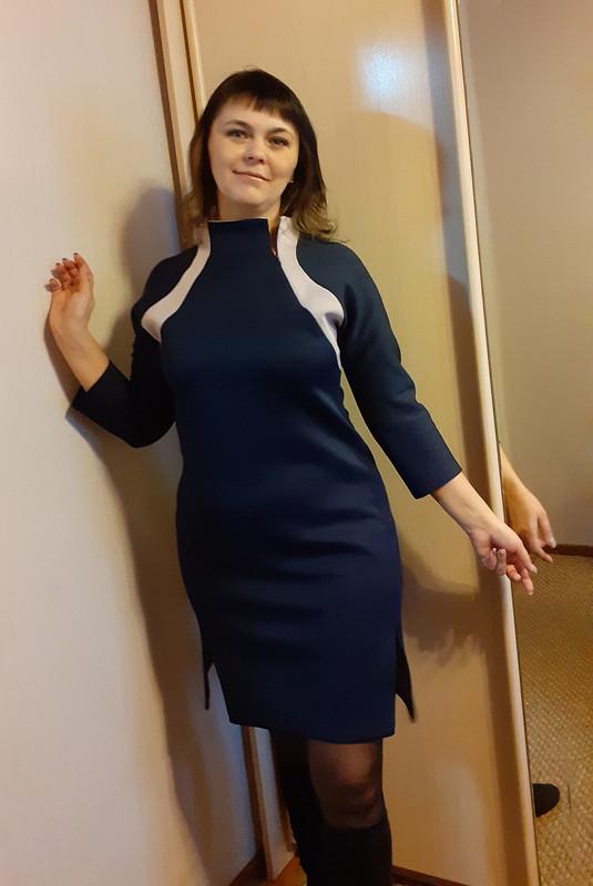 Платье приталенного силуэта от Евгения