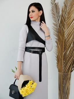 Работа с названием Платье цвета Пантон 2021
