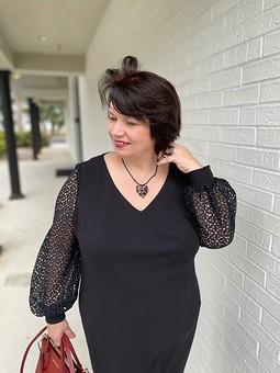 Работа с названием Моё не маленькое, но очень чёрное платье