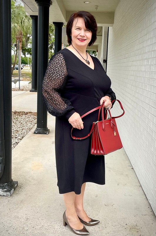Моё немаленькое, но очень чёрное платье от Lovvy