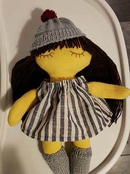 Работа с названием Текстильная кукла