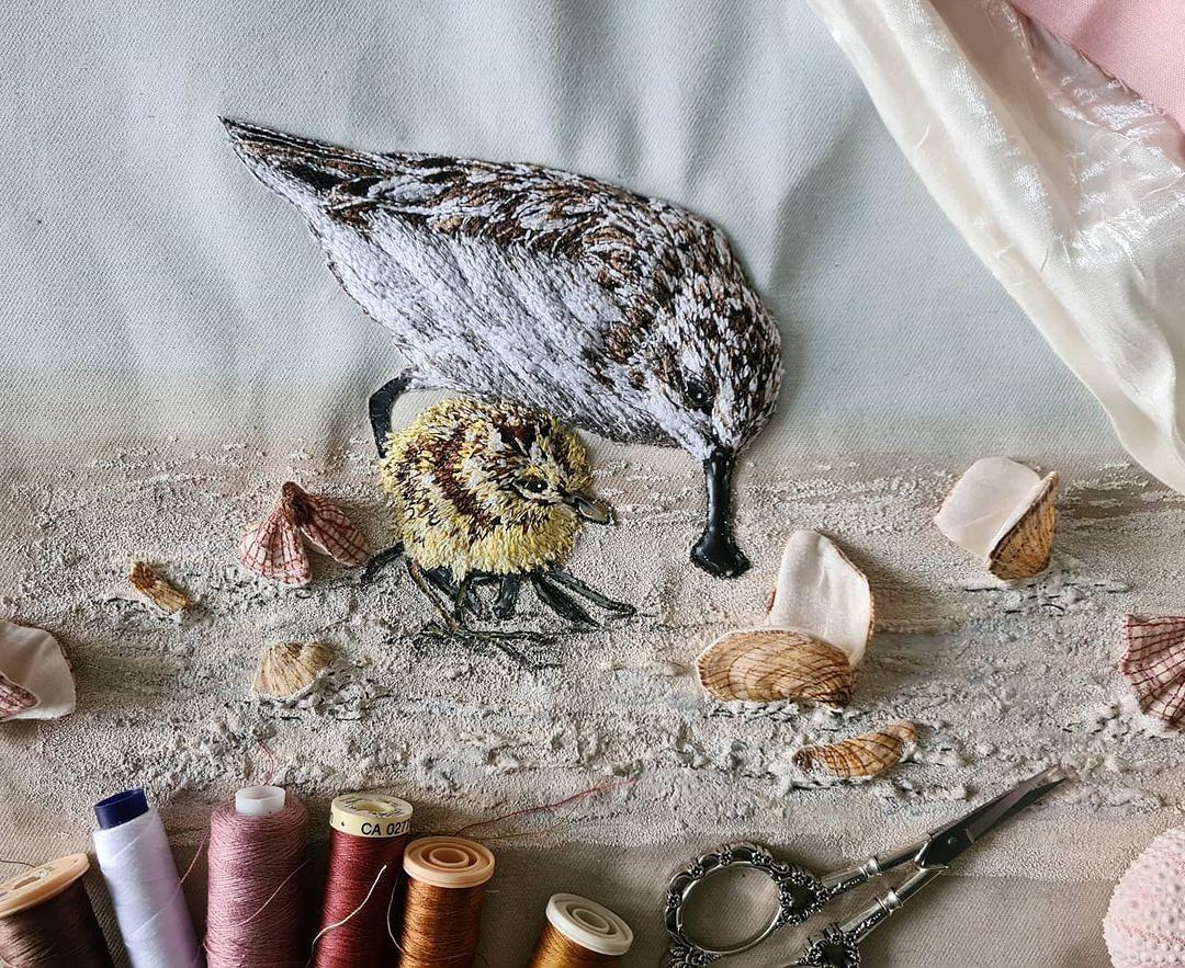 Объёмные вышивки, воспевающие красоту дикой природы: рукодельный instagram недели