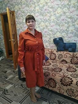 Работа с названием Вельветовое платье