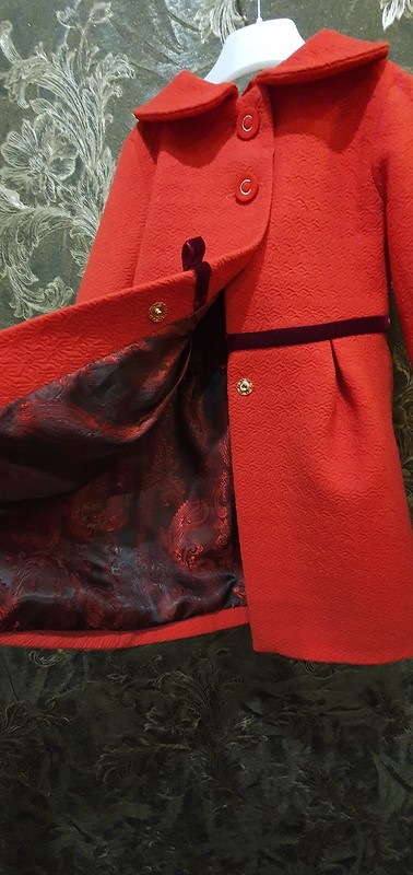 Красное пальто на4 года от Armas-Olga