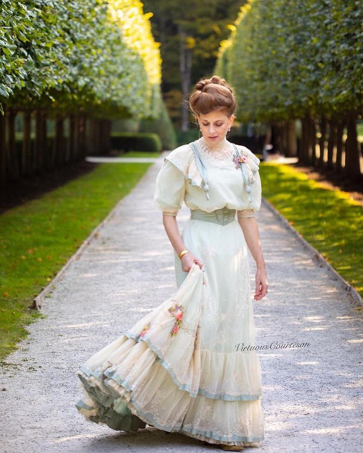 Историческая одежда соттенком современной эстетики: швейный instagram недели