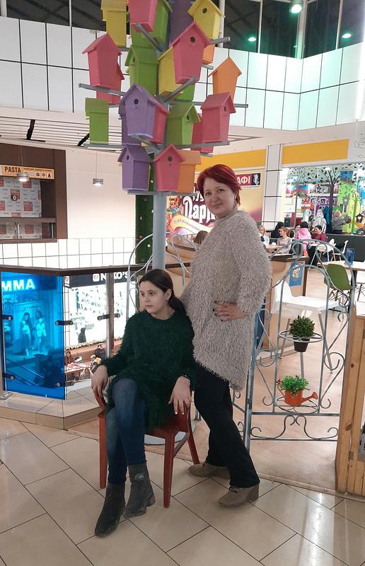 Family look: одинаковые свитера, но разного цвета от marsellin
