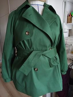Работа с названием Куртка-тренч