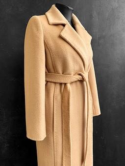 Работа с названием Пальто в стиле Max Mara