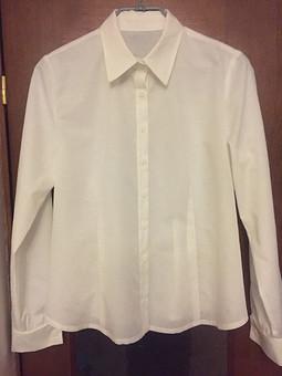 Работа с названием Белых рубашек много не бывает