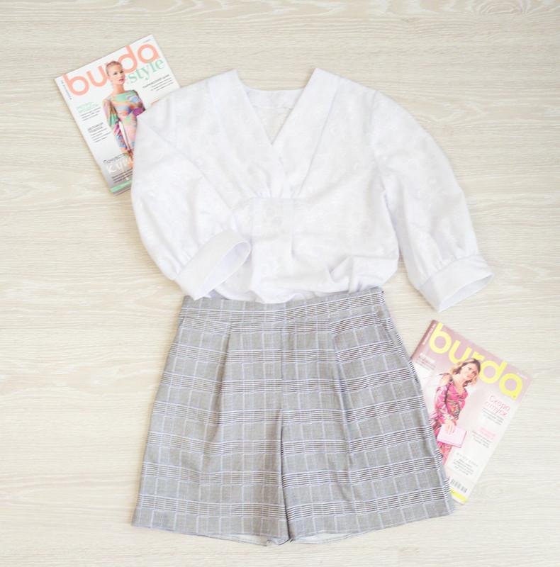 Белая блузка ишорты вклетку от valerida