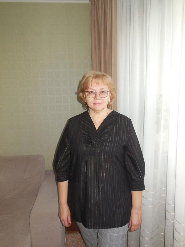 Черная ссеребром блузка от Taura