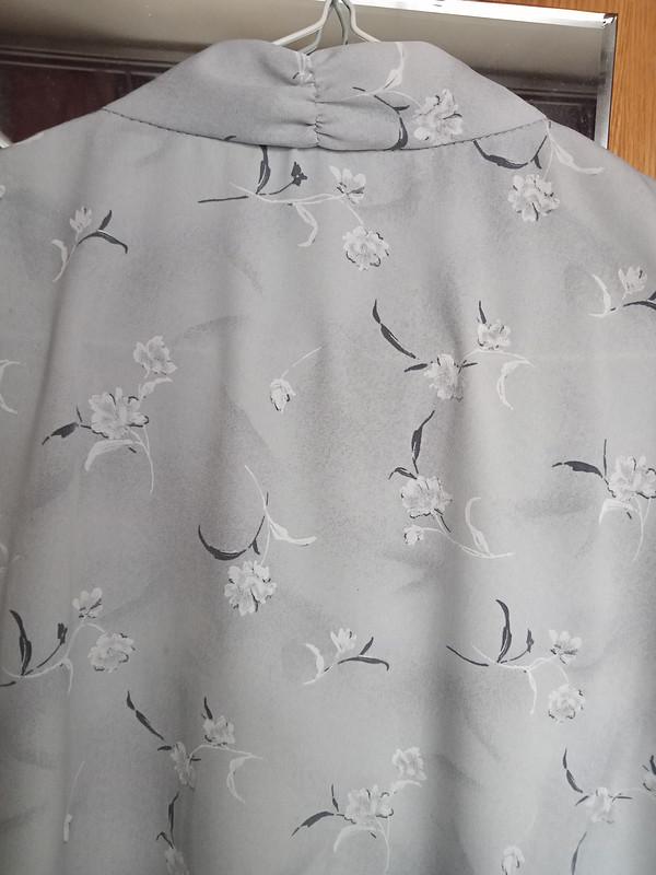 Блузочка свесенними цветами от MariyaKo