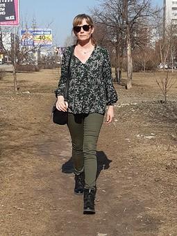Работа с названием Апрельская блуза