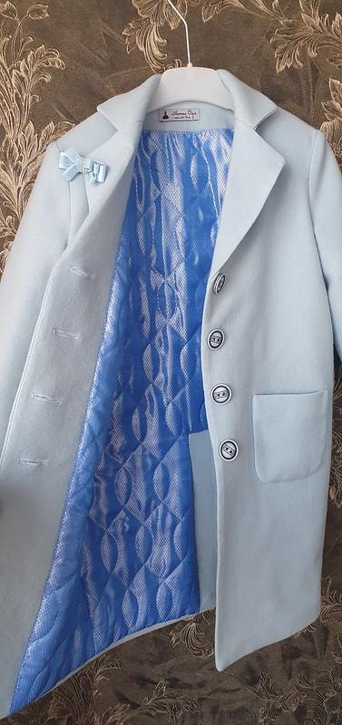 Небесно-голубое детское пальто от Armas-Olga