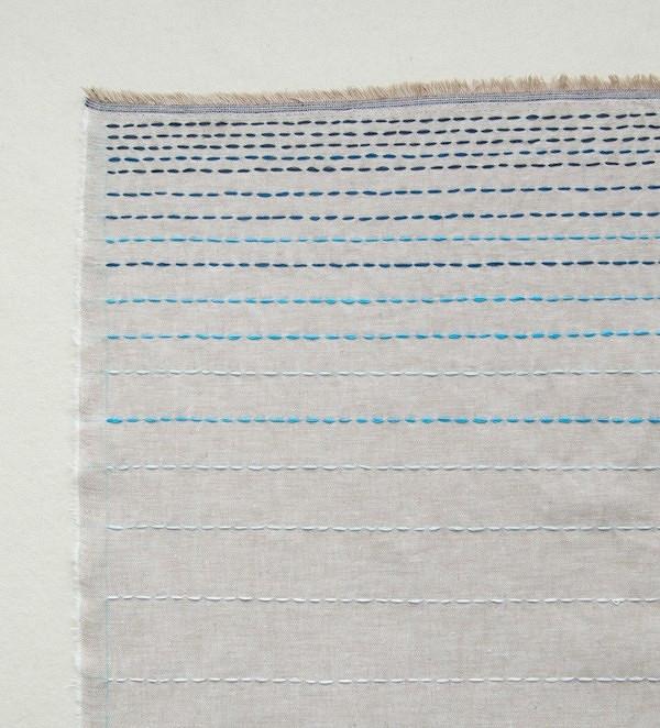 Идея: шарф спростой вышивкой