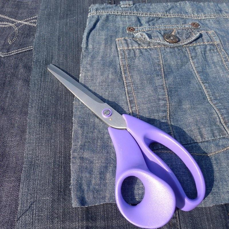 Идея: большой пуф изстарых джинсов