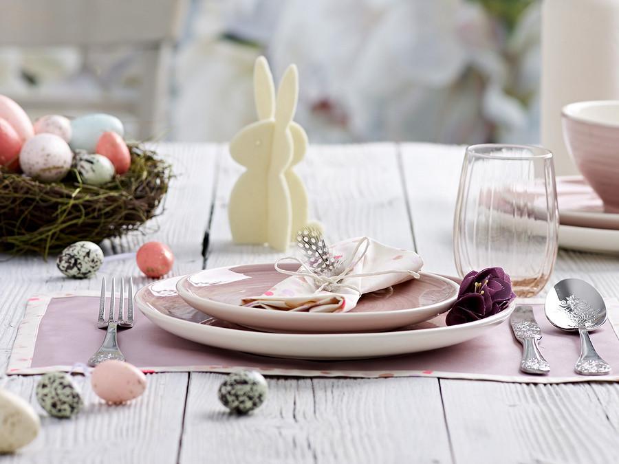 Пасхальный зайчик: украшение дляпраздничного стола