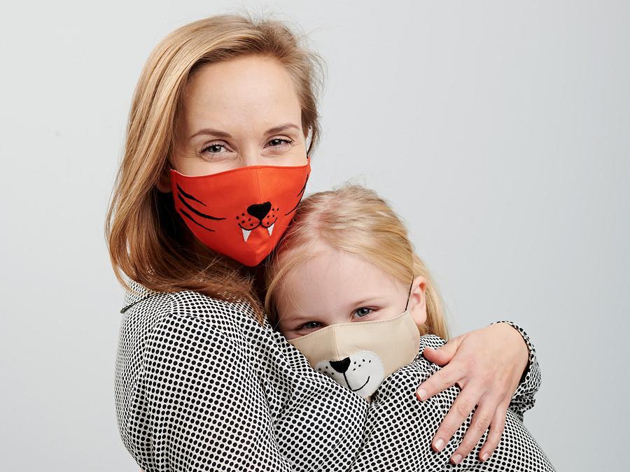 Защитная маска должна быть красивой: шьём иукрашаем своими руками