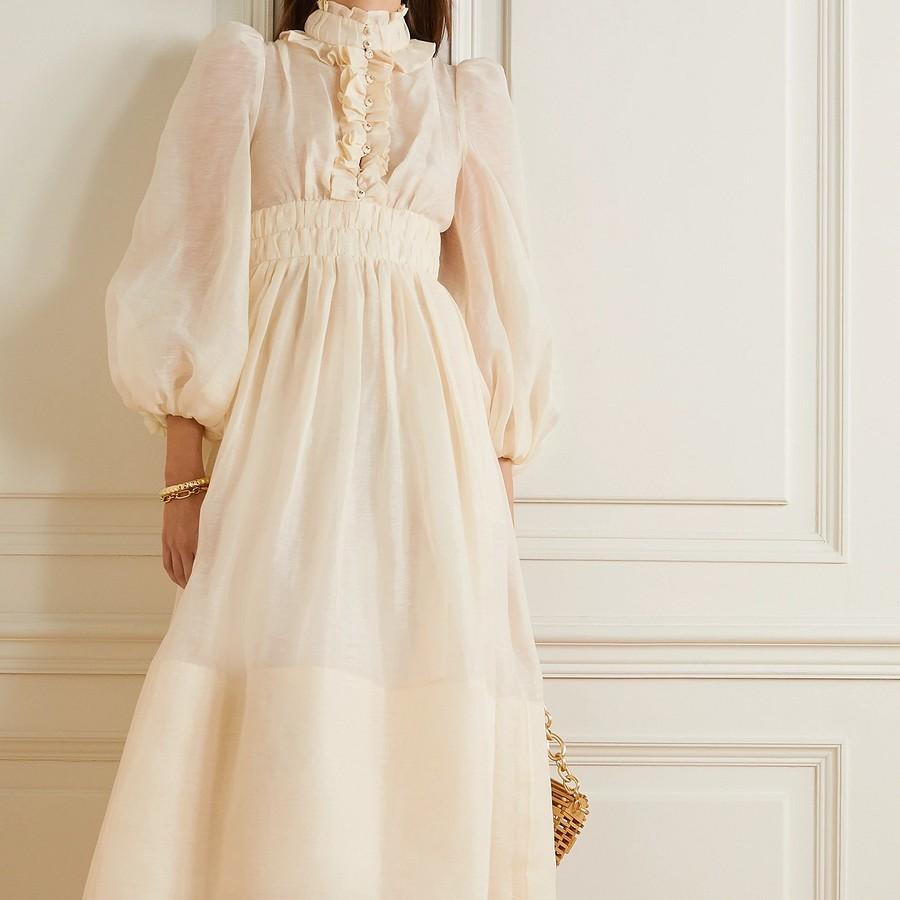 Тренд весна-лето 2021: великолепное платье
