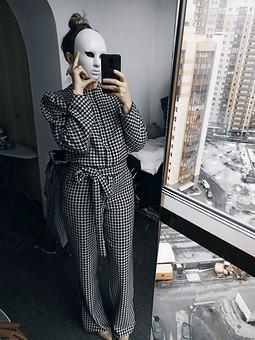 Работа с названием Комбинезон в стиле Gucci 2019