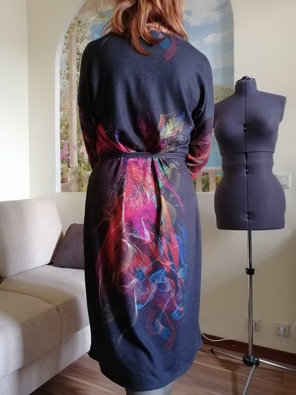 Платье согоньком от Sukharenko