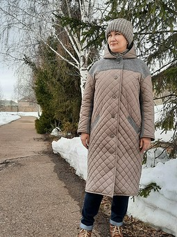 Работа с названием Стёганное пальто на холодную весну