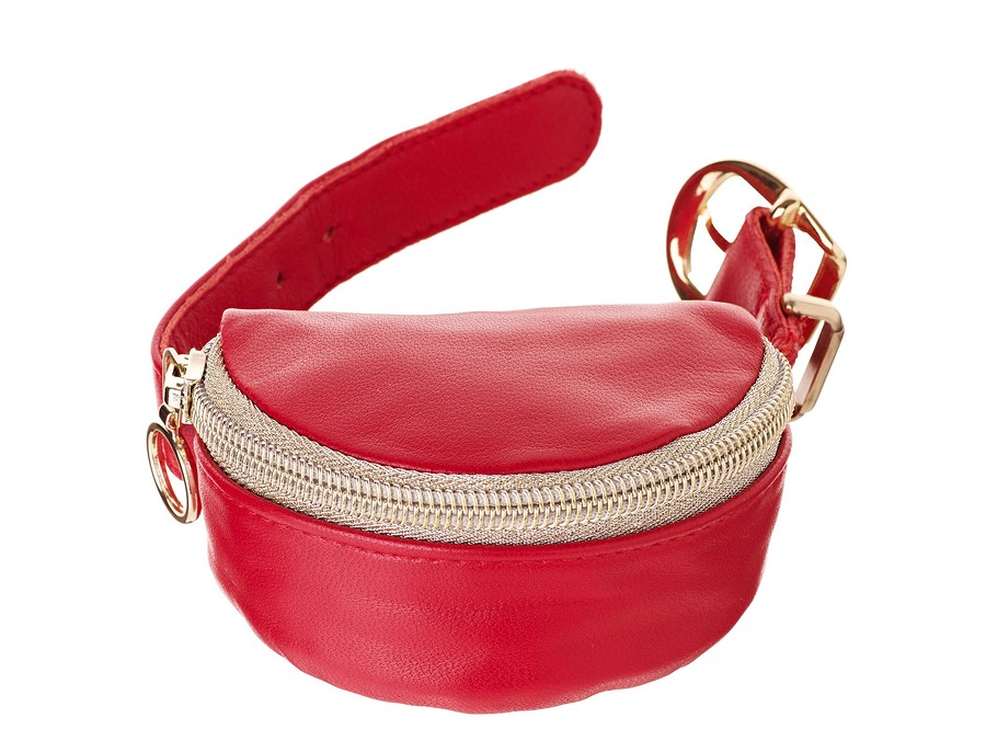 Будь втренде: микро-сумочка назапястье