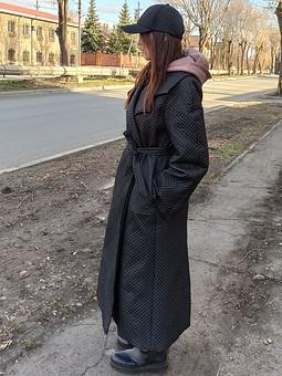 Работа с названием Стеганое пальто