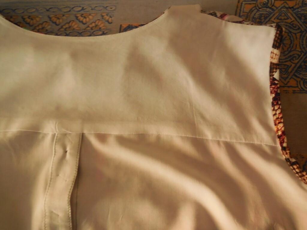 Брючный льняной костюм от Taura