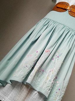 Работа с названием Комплект с вышивкой: юбка и блузка