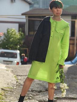 Платье-рубашка с акцентным воротником