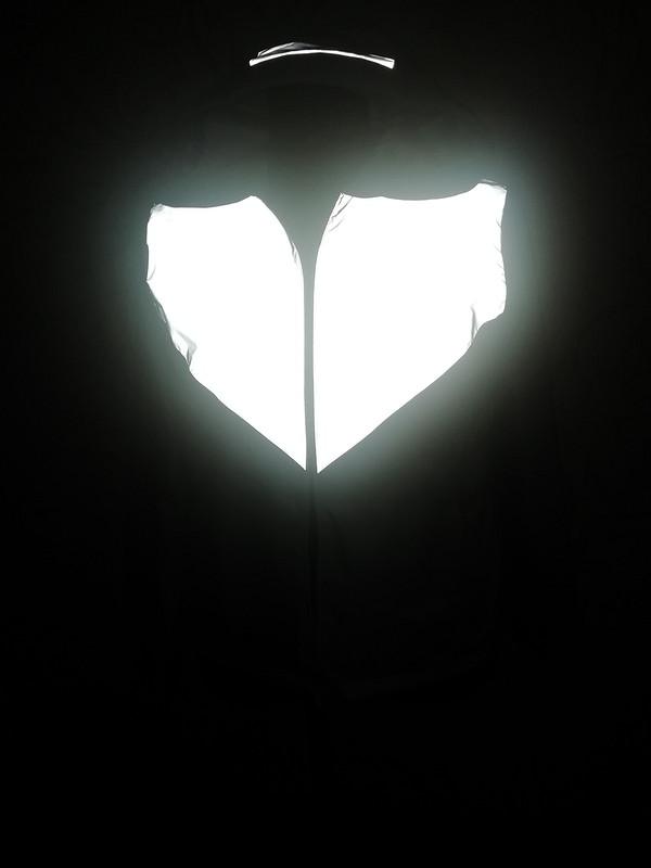 Ветровка со светоотражающей вставкой от пума-78