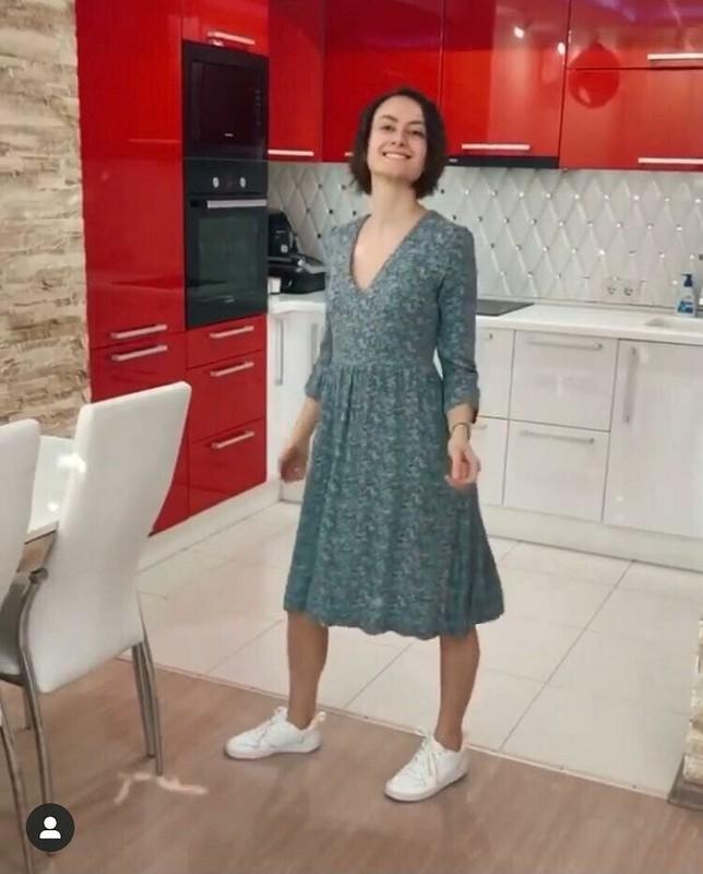 Платье вмелкий цветочек извискозы длявсех сезонов от Ольга Найкова