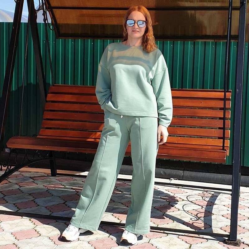 Спортивный костюм слампасами от Elena Leo