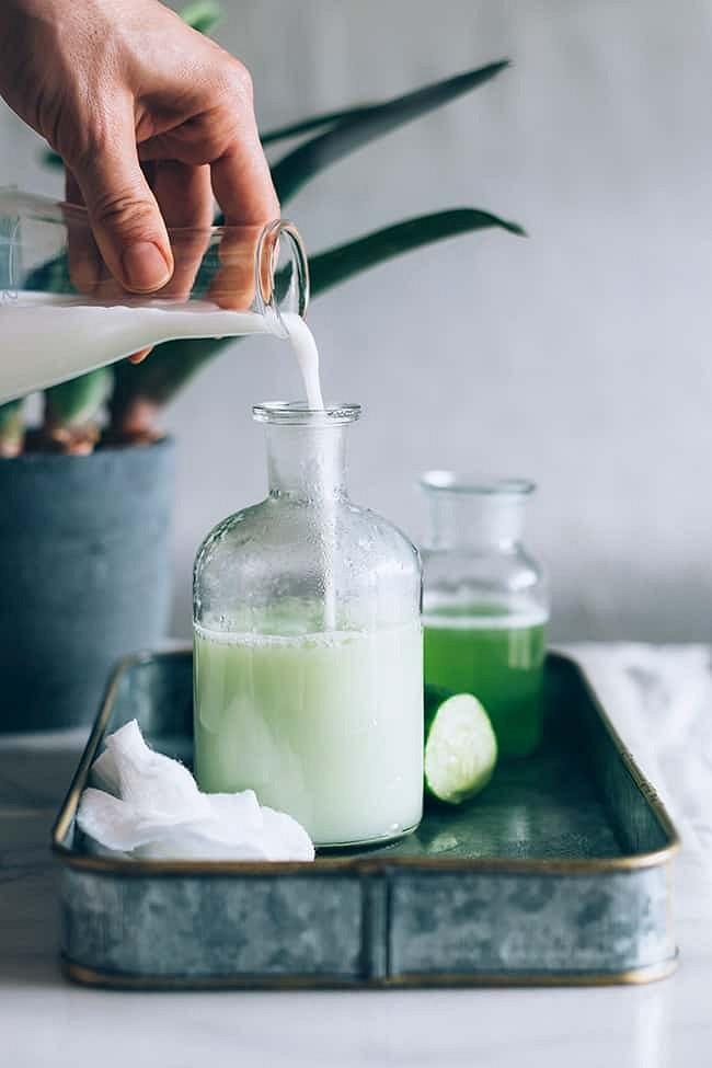 Рецепты красоты: успокаивающий лосьон согурцом икокосовым молоком