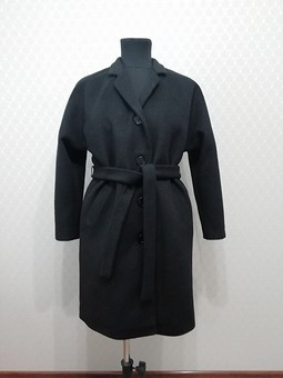 Работа с названием Пальто черное